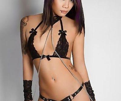 Asian Strapon