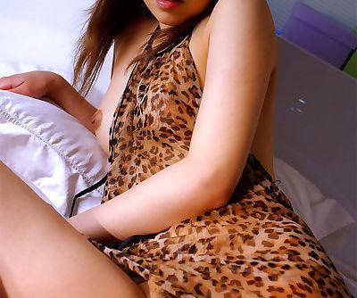 Purse Asian babe Jun upskirts her..