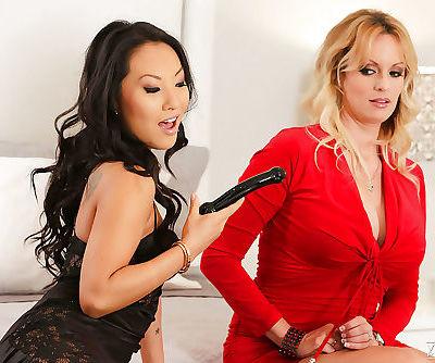Hot lesbian pornstars Asa Akira..