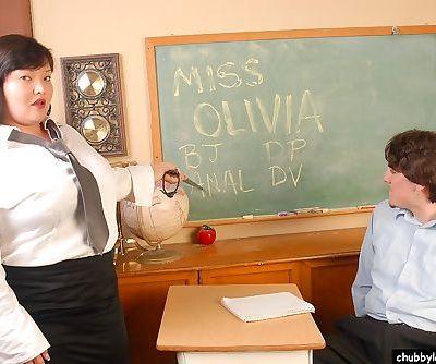 Mature BBW schoolteacher Olivia..