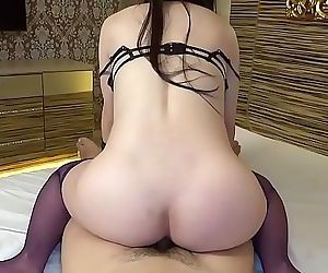Hot Pregnant Japanese Babe With..