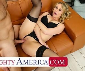 Naughty America Elle McRae Cheats..