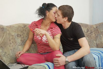 Horny middle aged dorothy fucks with young guy