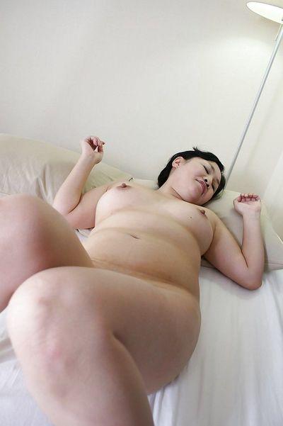 Fatty asian MILF Rumiko Shiga has some pussy fingering and fucking fun