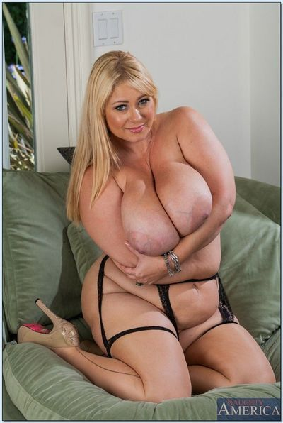 Buxom MILF with giant flabby boobs Samantha 38G taking off her clothes - part 2