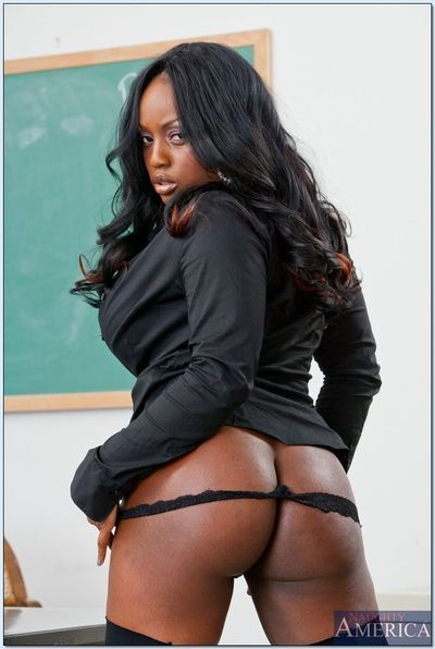Ebony MILF babe Jada Fire spreads and feels her pussy in the classroom