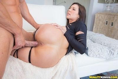Ravishing MILF has some face sitting and pussy drilling fun with hung lad - part 2