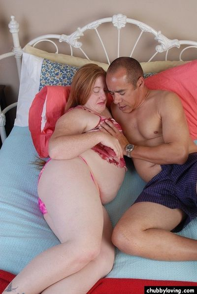 Fat redhead Keno having juicy BBW pussy finger fucked by horny man