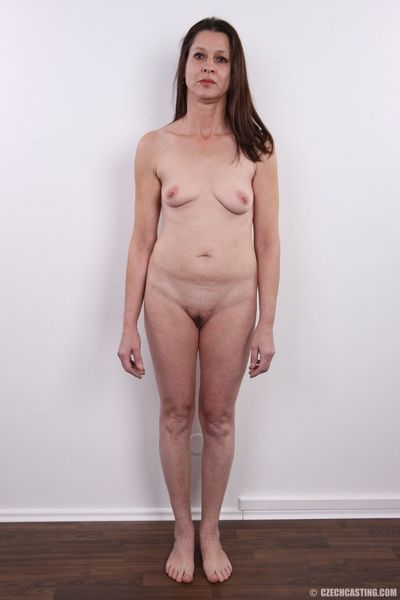 Middle-aged divorcee Alena undresses to pose in the nude to pay the bills