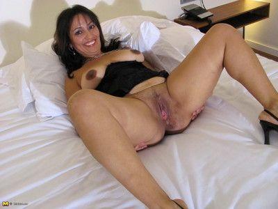 caldo casalinga angy ama Per ottenere stessa bagnato