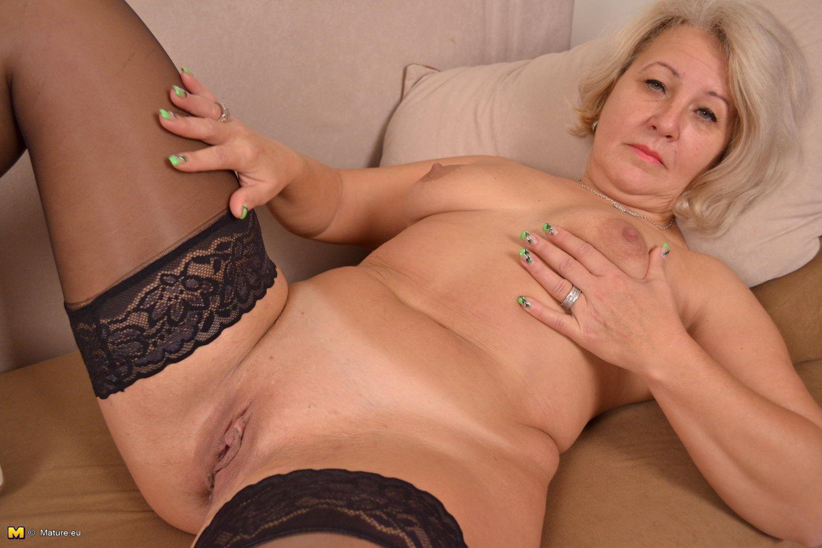 Порно зрелых дам крупно