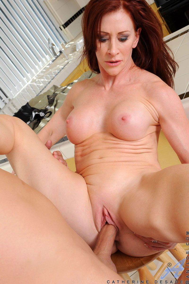 Mature housewife gets fucked
