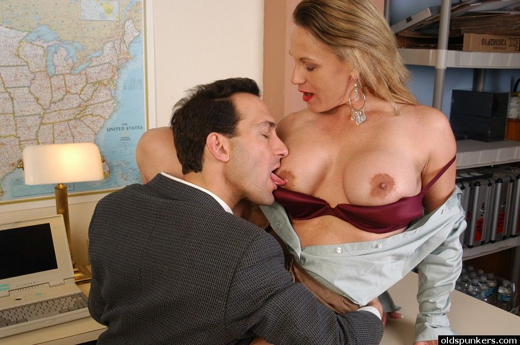 Mature blonde secretary Summer eating cum in office after giving bj