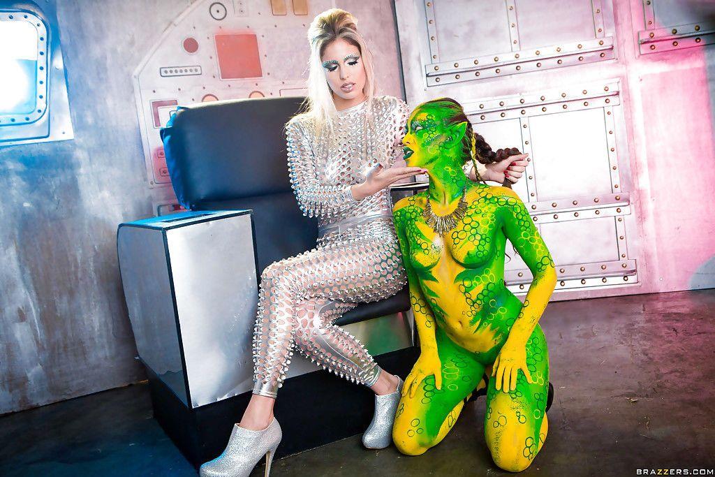 Kinky cosplay models Eva Parcker and Tiffany Doll go girl on girl
