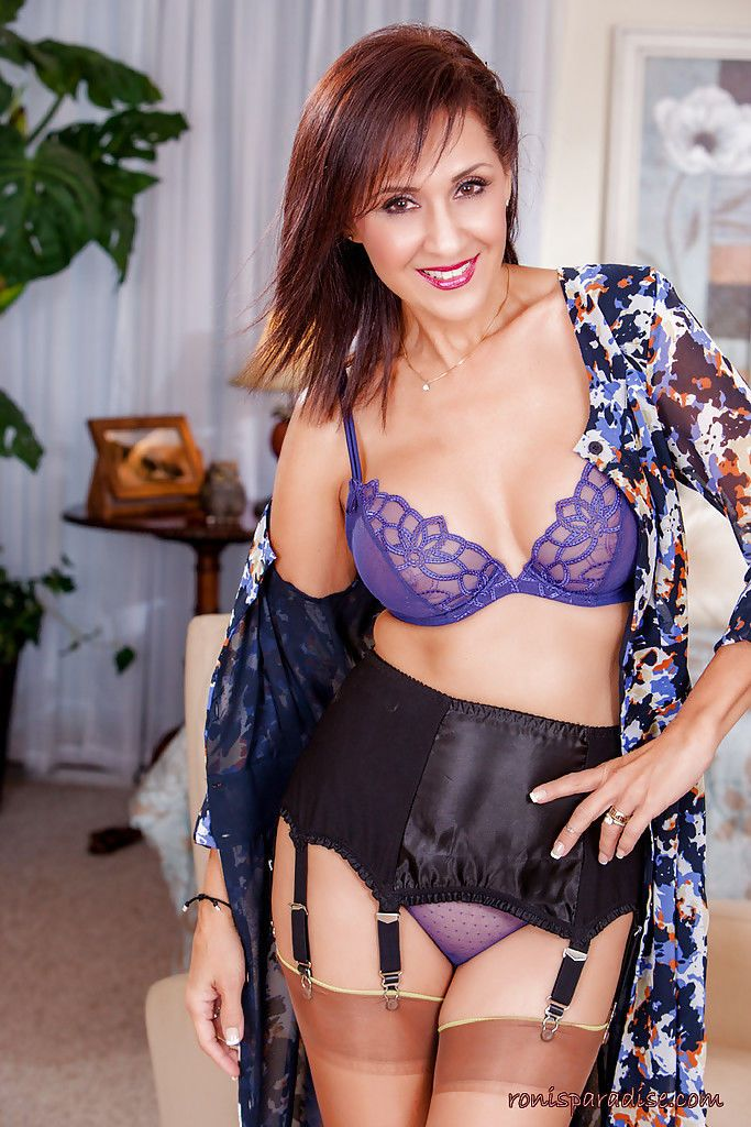 Roni has a new set of sexy lingerie and she wants to show it to you