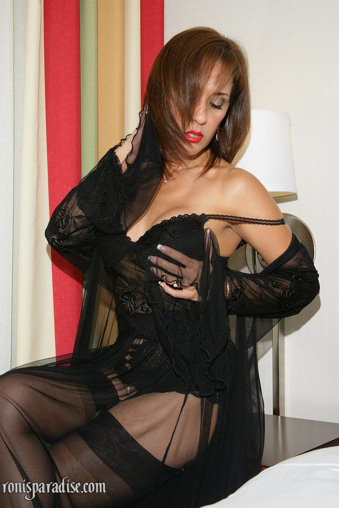 It is a miracle when Roni posing in sexy lingerie and spreading vagina