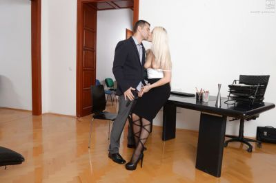 Blonde Blance Bradburry in stockings gets her ass hole pounded