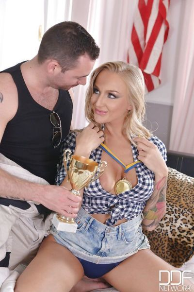 European blonde Kayla Green receiving oral sex on shaved pussy