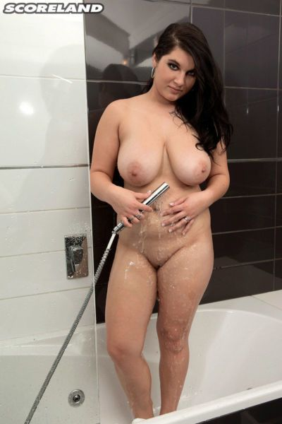 Plump female Lola Hot and her man friend have fun during foreplay in shower