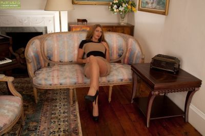 Leigh Darby is a naughty hooker and she wants to take off clothes