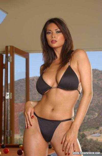 nổi tiếng Châu á pornstar Tera Patrick người mẫu Bất Khỏa thân trong Bikini