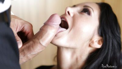 Latina mature Ava Addams dose blowjob and enjoys hardcore sex