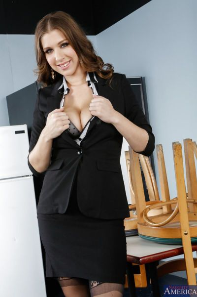 Well-stacked office babe in nylons undressing and fingering her asshole