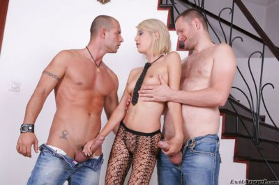 Enchanting blonde that loves big cocks Blanche does anal scene