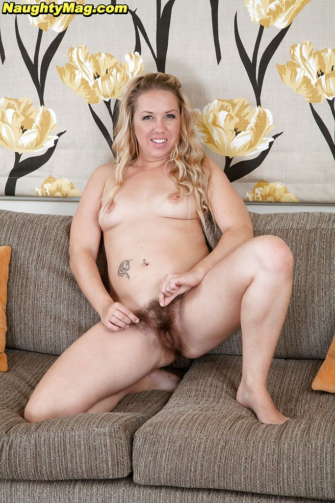 Tattooed blonde first timer Elle Macqueen spreading hairy MILF pussy
