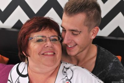 Obese grandmother Uma Womba fucks her boy toy with her glasses on