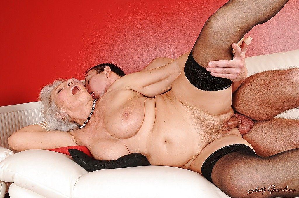 онлайн жгучее порево с красивыми пожилыми тетками всего секс случается