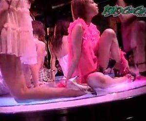 Japanese Striptease 1 - 31 min