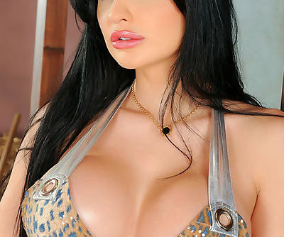 Busty Aletta Ocean play with sex..