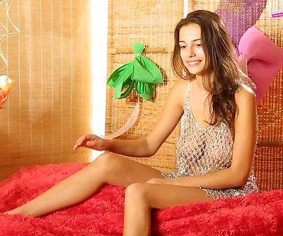 Beautiful young chick posing..