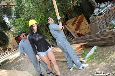 Secy black girl Teanna Trump gangbanged during construction of new home