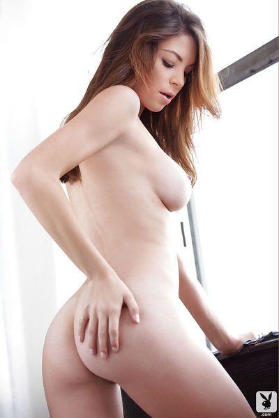 Pretty brunette babe Amber Sym exposing her amazingly hot body