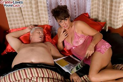 Sex is all Jamy Nova needs and she is allowing the partner to cum over tits