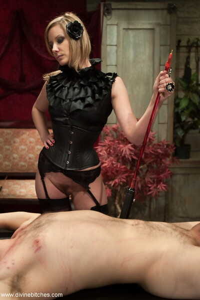 Divine Bitches Curt Wooster- Maitresse Madeline Marlowe