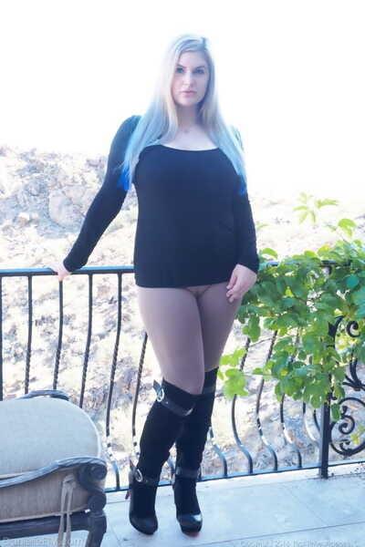 Chubby blonde amateur sticks a massive dildo up her horny vagina