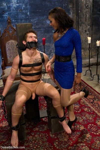 Skin diamond teases slave with silky pantyhose worship