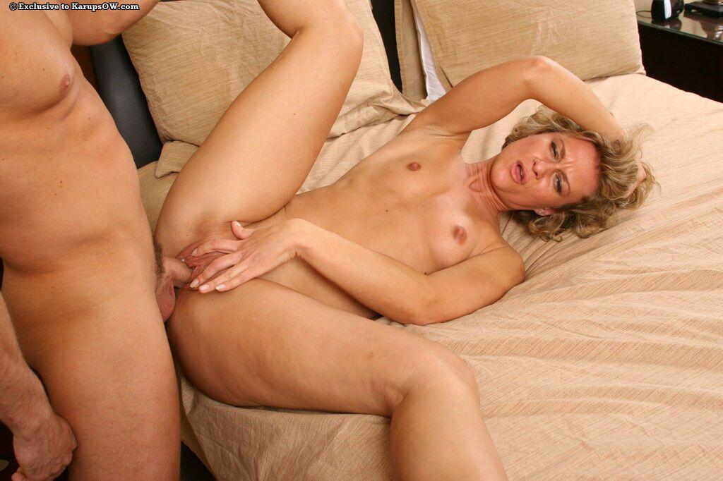 Mature blonde mom Bianca enjoys hardcore fucking and facializing