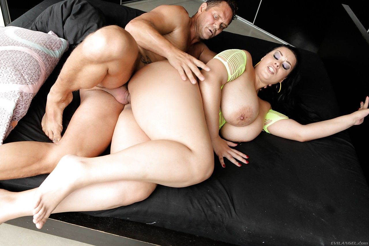 Mature fatty Anastasia Lux with massive tits rides & deepthroats huge cock