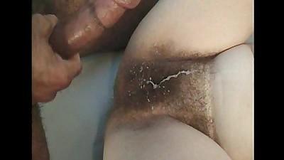 Poilu milf baisée