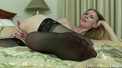 American milfs Lacy and Artemisia..