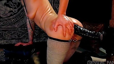 Anal fun with zilla dong short..