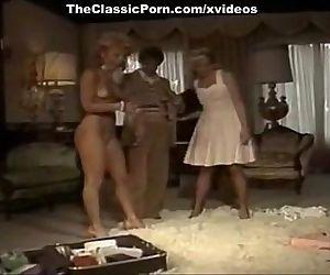 Threesome fuck..