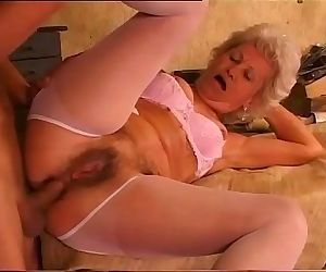 Granma do it better: the grannys..