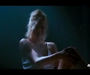 Kim Basinger nude..