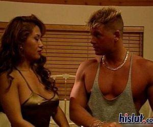 Kia and Sandi get nasty