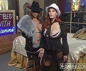 Nadine Jansen In Bed with Bettie..